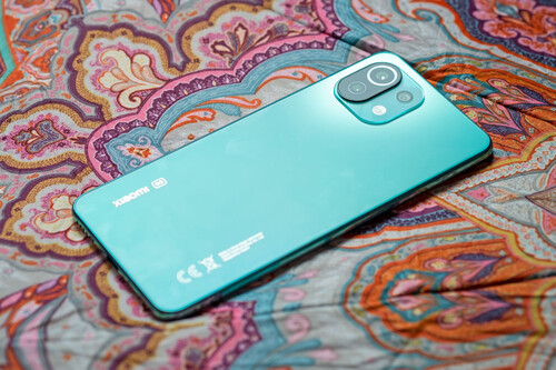 Xiaomi Mi 11 Lite 5G, análisis: el verdadero alivio ante tanto móvil pesado y grandote
