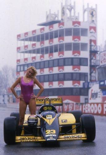 Minardi M186 conducido por Alessandro Nannini y Andrea de Cesaris