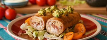 Flautas de pollo, beicon y queso, vídeo receta de un clásico de la cocina mexicana