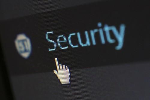DownloadFile: este comando usado en Defender y la Consola de Sistema, permite descargar cualquier archivo, incluso malware