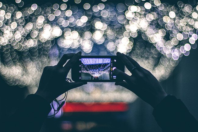 Cómo convertirte en un maestro del bokeh con tu cámara y (más o menos) con tu móvil
