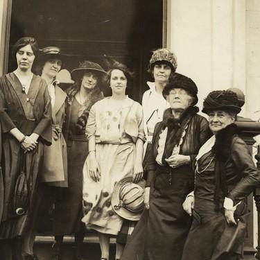 Estas 49 mujeres son responsables de que hoy seamos más libres y quede menos camino por recorrer hacia la igualdad