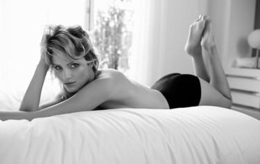 """El Corte Inglés """"desnuda"""" a la modelo Fanny François en su nueva campaña"""