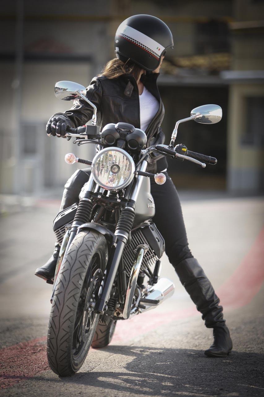 Foto de Moto Guzzi V7 Stone (34/57)