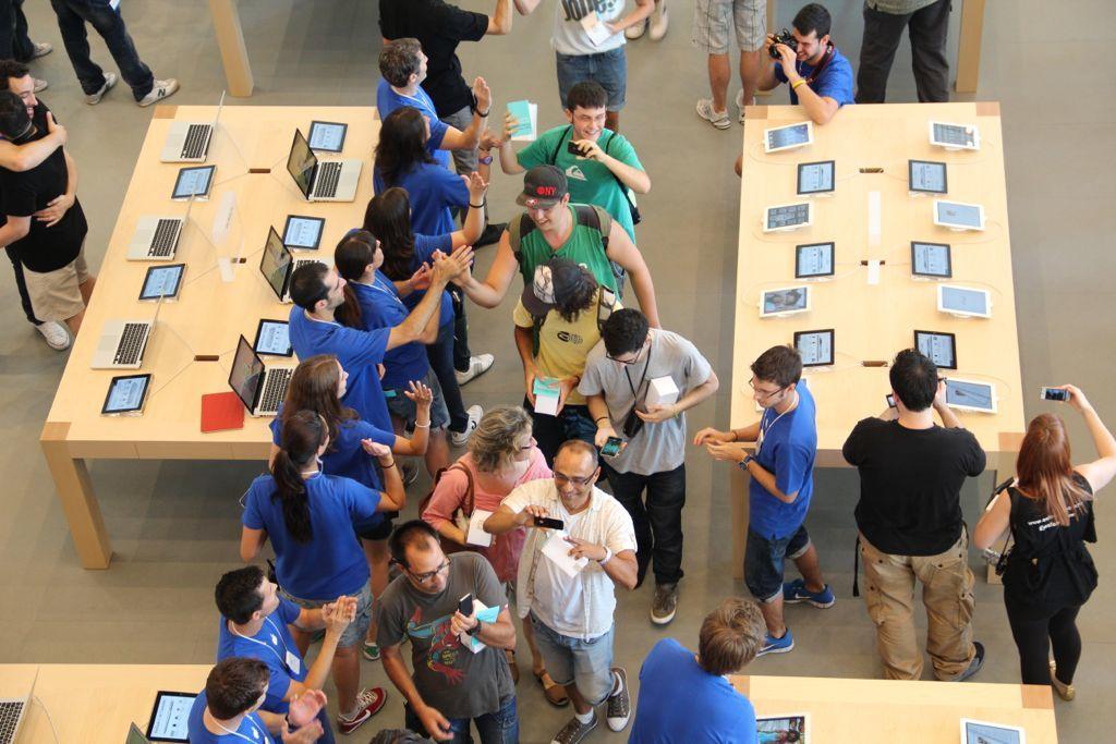 Foto de Inauguración de la Apple Store del paseo de Gracia (20/27)