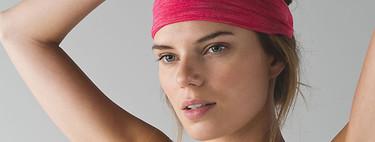 Siete cintas para el pelo con las que practicar yoga, hacer pilates o seguir tu rutina de deporte en casa durante el confinamiento