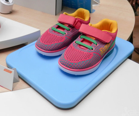 Mediatek Connected Shoes MWC 2015