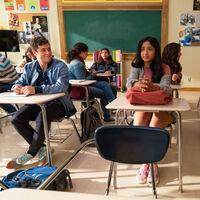 'Yo nunca': la temporada 2 de la magnífica comedia de Netflix sube aún más el nivel con su deliciosa mezcla de humor y ternura
