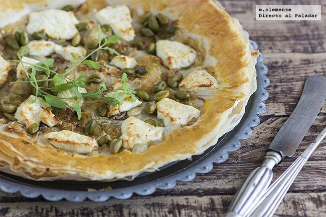 Tarta fina de cebolleta caramelizada y queso de cabra receta - Beneficios queso de cabra ...