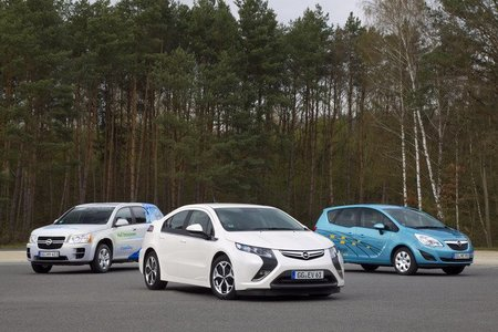 GM HydroGen4, Opel Ampera y Opel Meriva