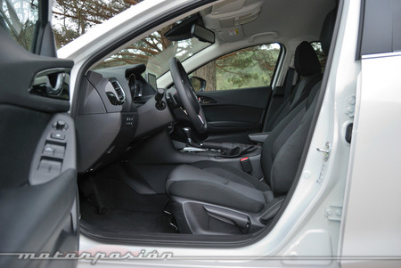 Mazda3 2013 Luxury AT