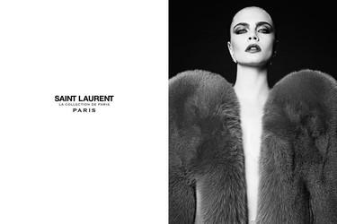 Cara Delevingne hipnotiza. Hedi Slimane vuelve a ficharla como imagen de Saint Laurent