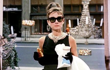 Audrey Hepburn Desayuno Con Diamantes Y Un Vestido De Givenchy