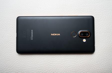 Nokia 7 Plus Trasera 02