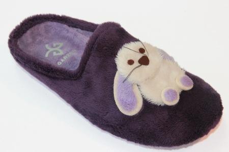 Las zapatillas Garzon para que los pies de los peques vayan calentitos y cómodos en casa