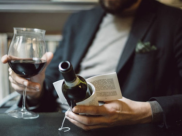 Librottiglia, cuando una botella de vino te incita a leer