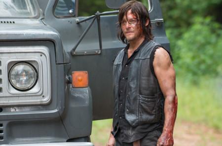 'The Walking Dead' regresa con mucha sangre y sobresaltos