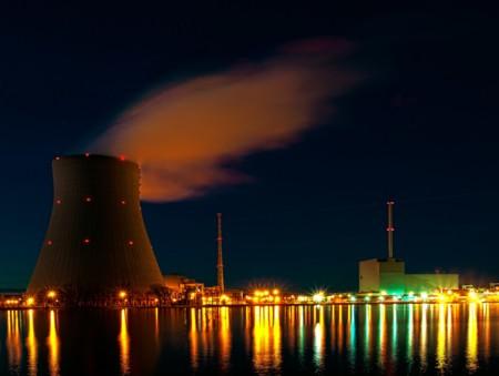 ¿Realmente se está abandonando lo nuclear como generador de electricidad?