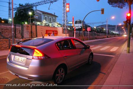 Honda también experimenta la comunicación entre coches y semáforos