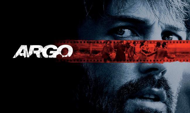 Imagen con un cartel de 'Argo'