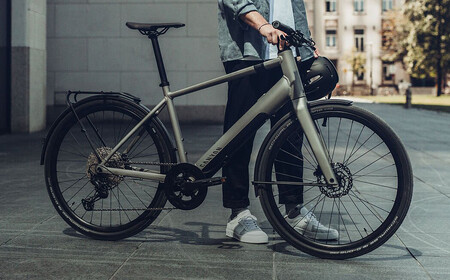 Canyon Commuter On Ebike 1