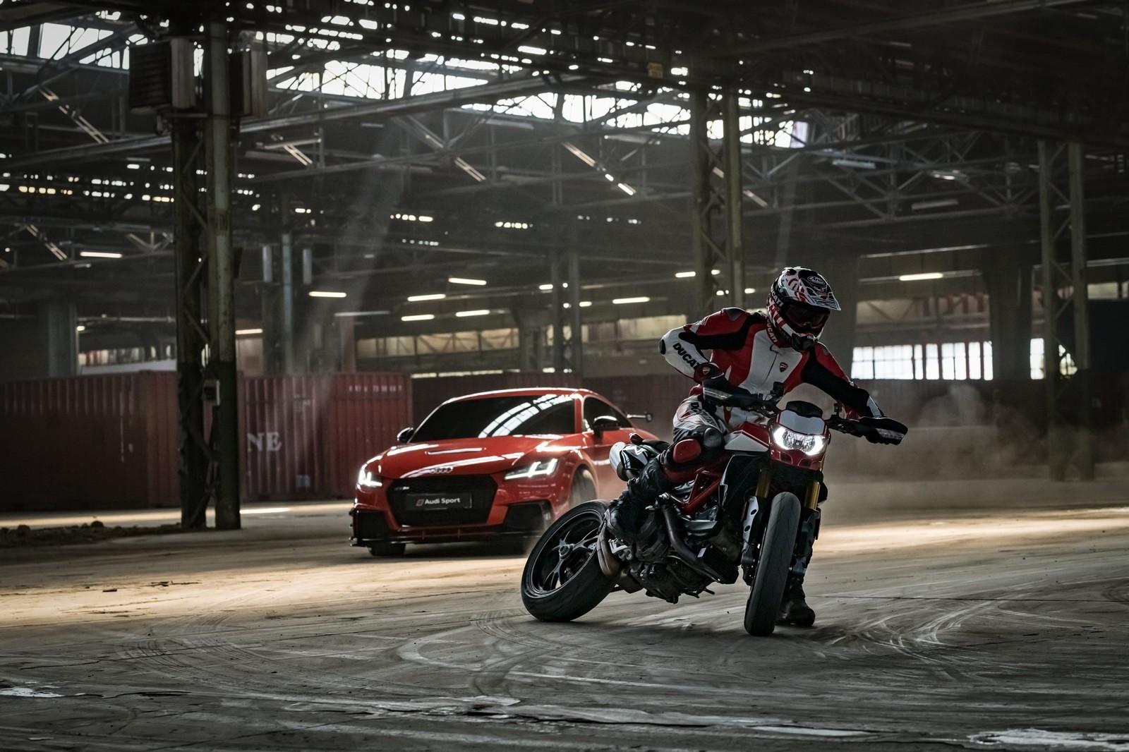 Foto de Ducati Hypermotard 950 2019 (27/76)