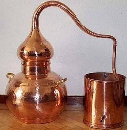 Fabricar tu propio licor con un alambique