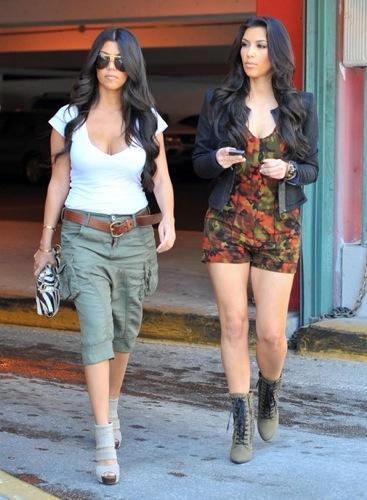 Peinados para cortes de pelo largo: Kardashian