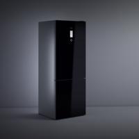 Teka presenta sus nuevos frigoríficos Combi Maestro con acabado de cristal y tecnología IonClean para luchar contra las bacterias