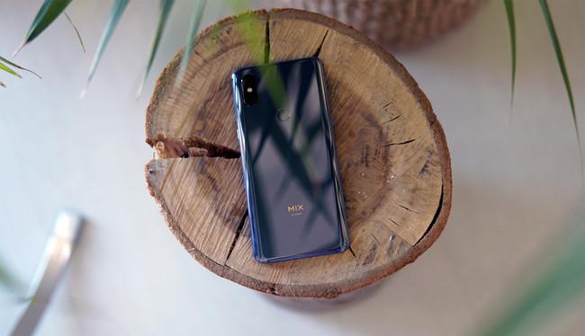 Xiaomi Mi MIX 3, primeras impresiones: el gran tiburón blanco del océano Android