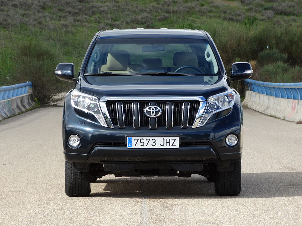 Foto de Toyota Land Cruiser 180D - Frontal (2/8)