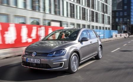 Volkswagen e-Golf gris 16