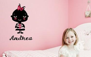Vinilos personalizados con el nombre del niño para la habitación infantil