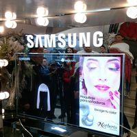 Samsung trae a Colombia el Mirror Display y lo estrena en D'Norberto Peluquería