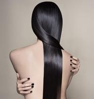 Sérum para el cabello con proteínas de seda de Leonor Greyl, ¡se acabó el pelo encrespado!