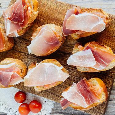 Pan tomate con jamón serrano. Receta de botana