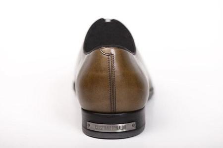 Cristiano Ronaldo se lanza al sector del calzado con una colección propia