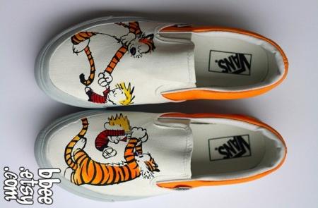 Vans de Calvin and Hobbes pintadas a mano