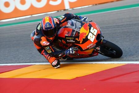 Raúl Fernández hace su cuarta pole por 59 milésimas en otra lamentable clasificación de Moto3