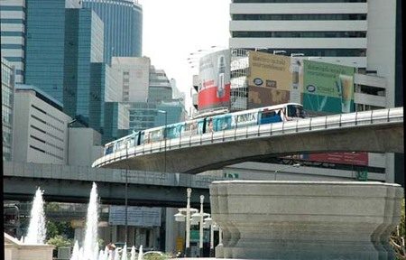 Tren urbano en Bangkok