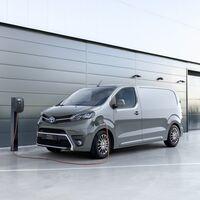 La Toyota Proace Electric Van es el primer Toyota eléctrico y ya está disponible en España desde 32.998 euros