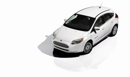 Ford anuncia trece nuevos modelos electrificados y una actualización para el Ford Focus eléctrico en 2016