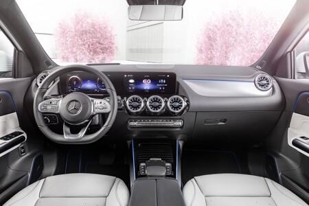 Mercedes-Benz EQA 300 4Matic y Mercedes-Benz EQA 350 4Matic 2021, precios para España