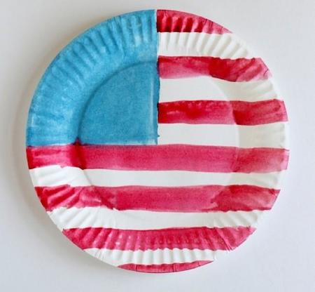 watercolor-american-flag-paper-plates-for-the-4th-of-july.jpg
