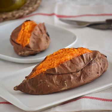 Batata al horno, la receta más fácil para disfrutar del boniato en casa con un solo ingrediente