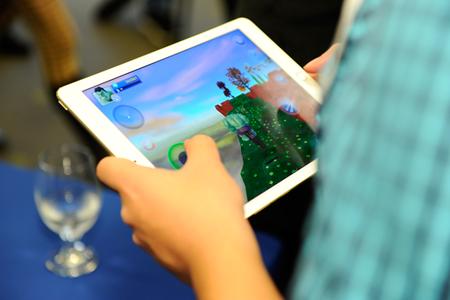 Disney se enfrenta a un demanda colectiva en Estados Unidos por recopilar y compartir datos de menores con terceros desde sus juegos