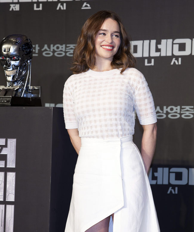 Emilia Clarke Looks 6