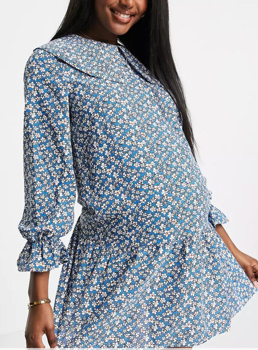 Vestido de flores en tonos azules