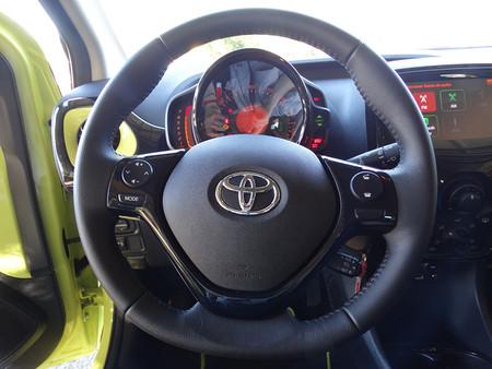 Volante Prueba Toyota Aygo Interiores