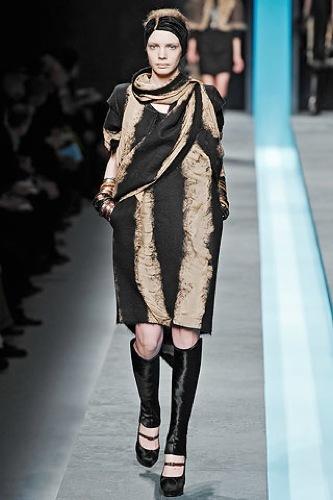 Fendi Otoño-Invierno 2009/2010 en la Semana de la Moda de Milán, vestido